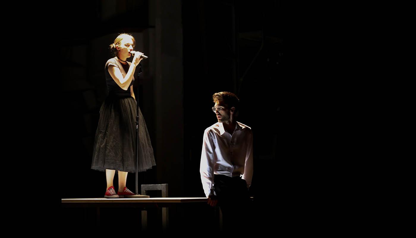 «Она его любила». Рецензия на спектакль в Украинском театре